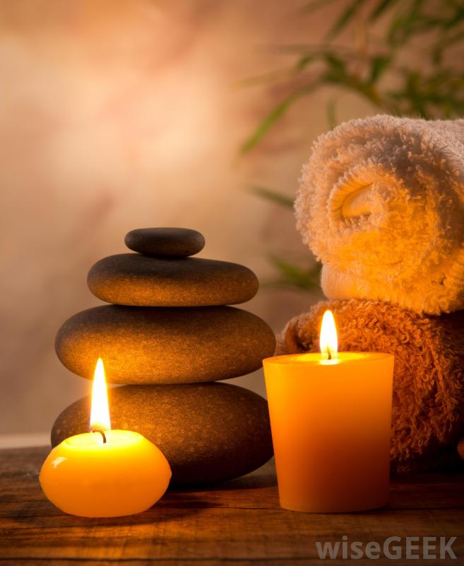 massage-stones-and-candles